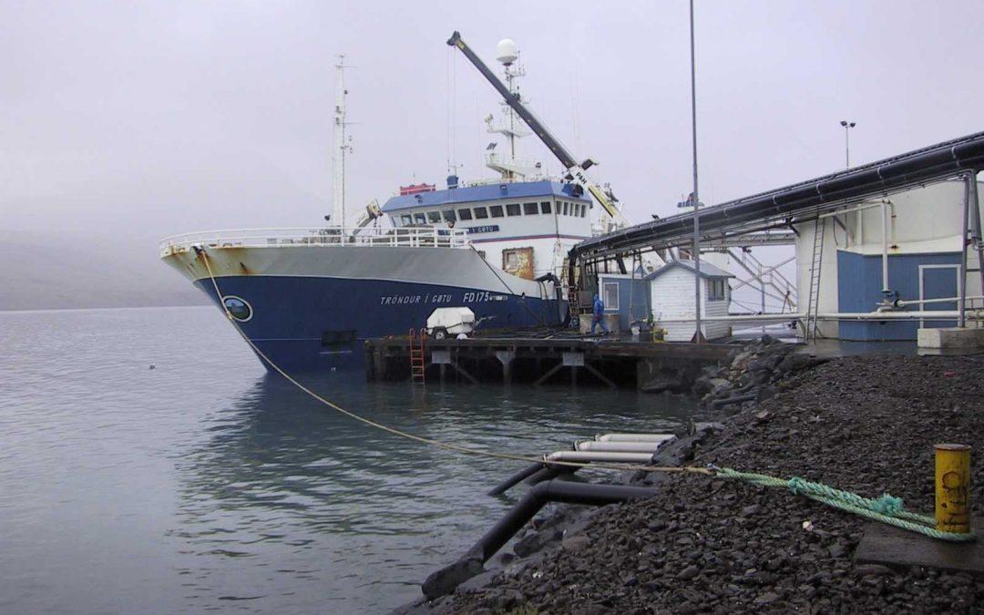 Tróndur að landa